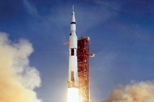 Ay'a Aslında Hiç Gidilmedi ve Her şey Amerika'nın Kurgusu muydu?